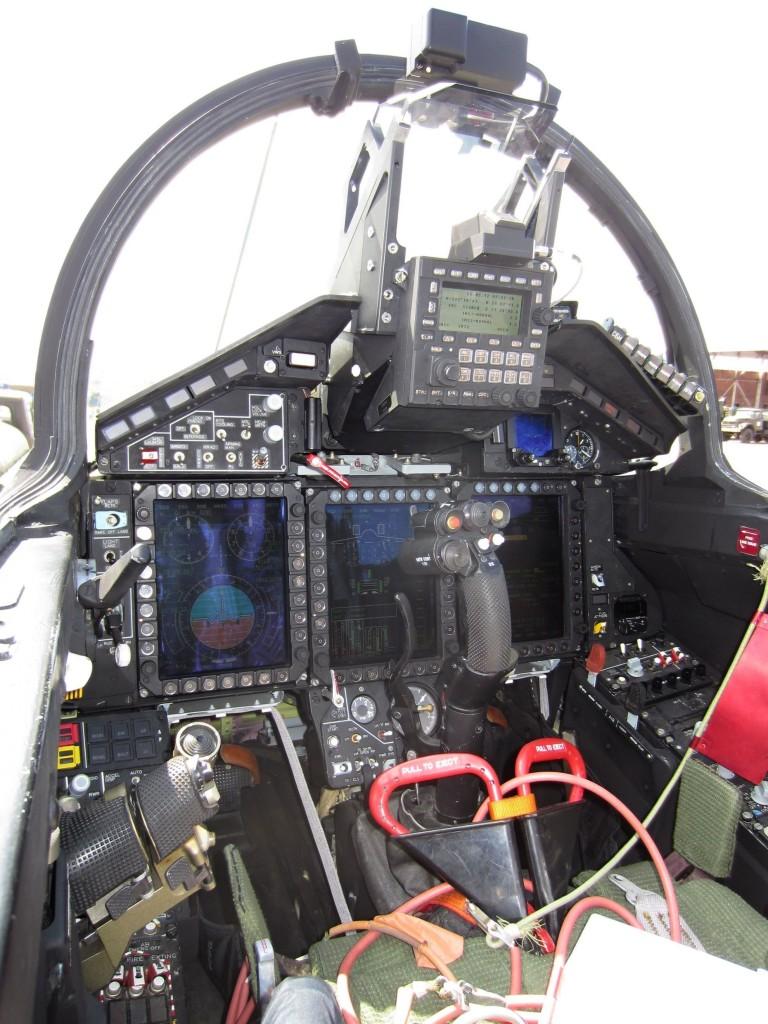 Kokpit MiG-29M2 prednji