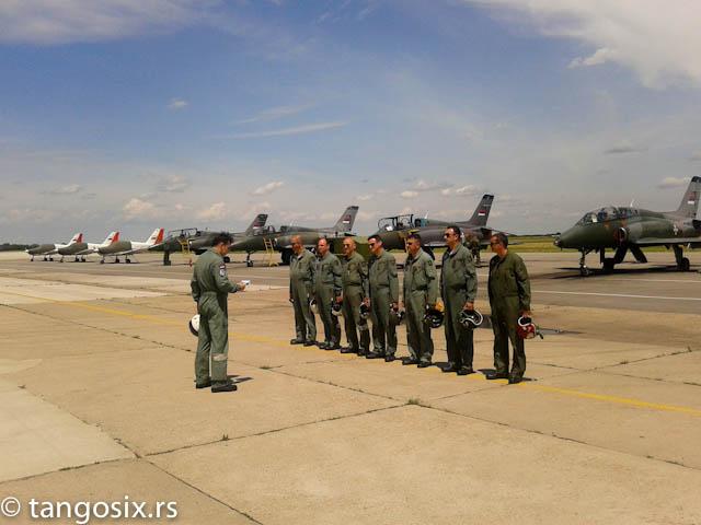 Pretpoletni brifing 252. eskadrile