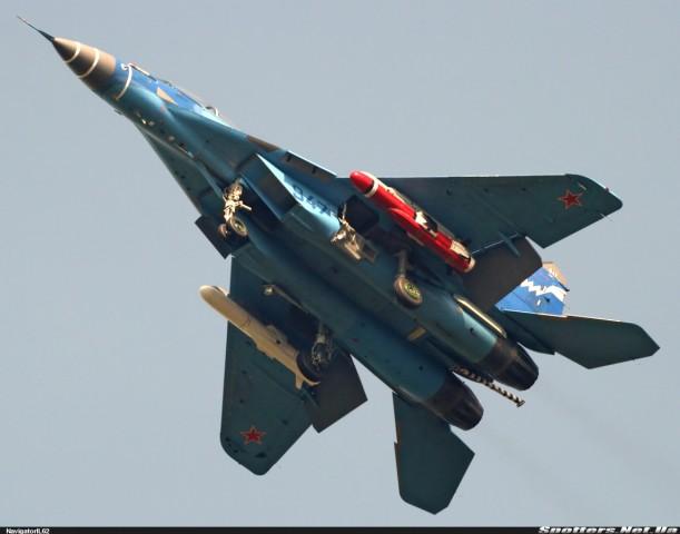 MiG-29KUB sa protivbrodskim raketama H-35