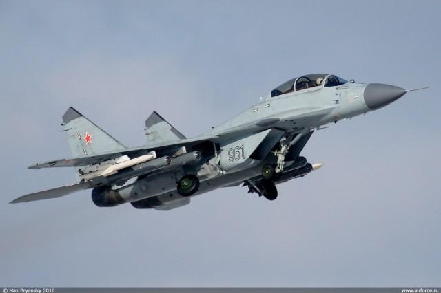 MiG-35 sa 4 KAB-500KR i 2 R-77