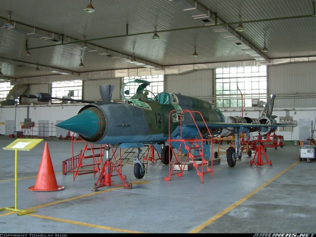 Hrvatski MiG-21bis na pregledima