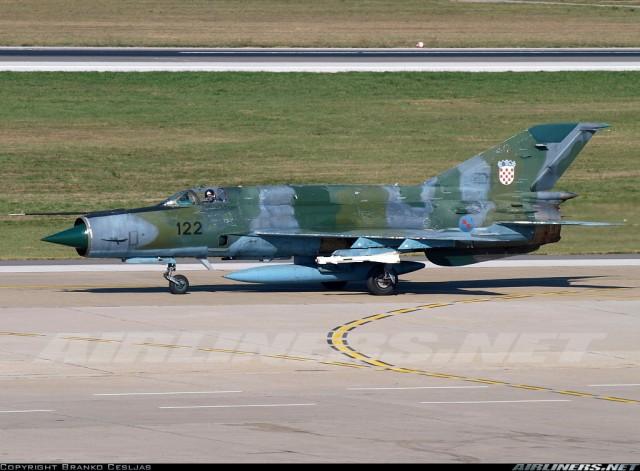 Hrvatski MiG-21bisD naoruzan raketama R-60