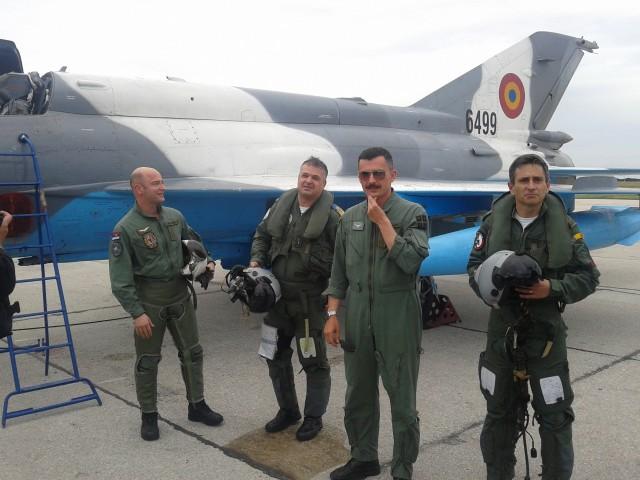 Rumunski piloti sa srpskim kolegama