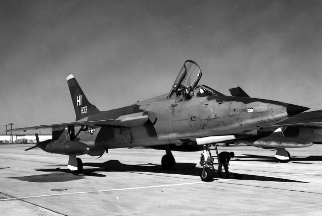 Avion F-105B-20 (ev. br. 57-5833) u sastavu 508. taktičkog borbenog vinga vazduhoplovne rezerve SAD u bazi Hill