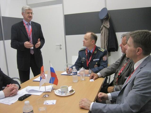 Prezentacija kompanije MiG iza zatvorenih vrata na štandu konzorcijuma UAC. Foto: Ministarstvo odbrane
