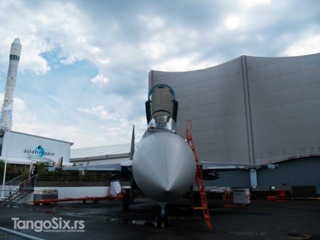 Su-35S. Svaki dan je prelazio komplikovanu rutu od parkinga na statici do piste