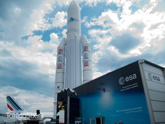 Izložba Evropske svemirske agencije i jedan od najprepoznatljivijih simbola aerodroma Le Burže - Ariana 5