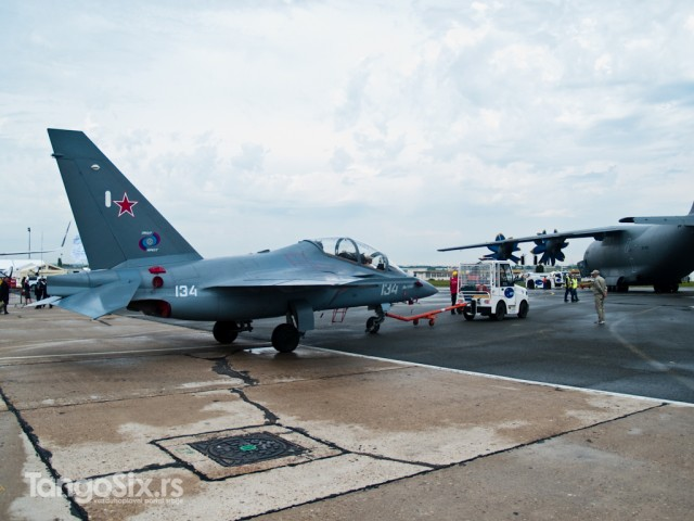 Yak-130 i An-70 prilikom vožnje do piste