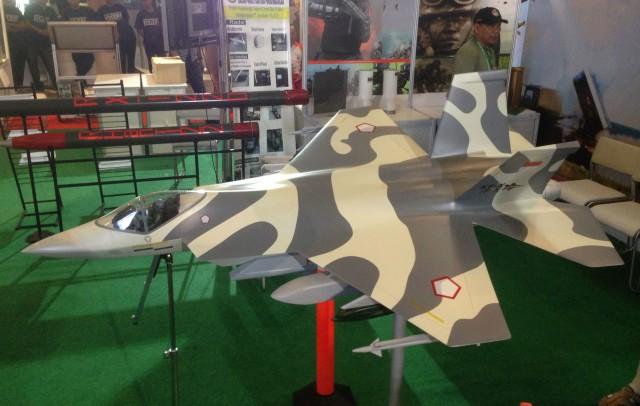 111781_52485350_webif-x-fighter-model (1)