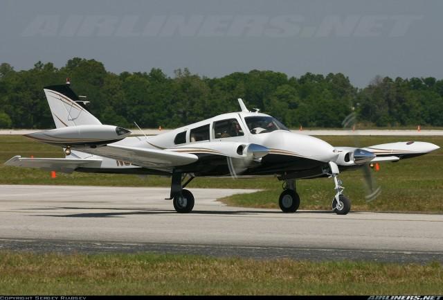 Avion tipa Cessna 310