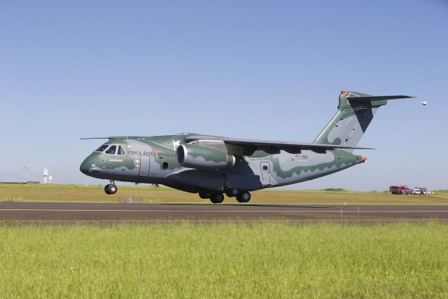 KC-390 Take Off_02