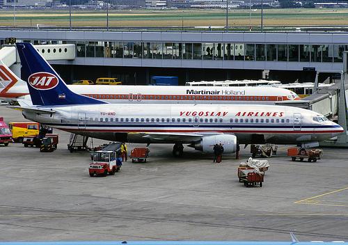 YU-AND prvi Boeing 737-300 u Evropi.
