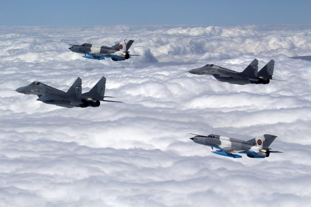 Egzotično odelenje MiG-ova. Nedostaje treći, u ovom slučaju camera-ship. Foto: Ministarstvo odbrane