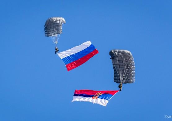 Srpski padobranci na vežbi u Rusiji