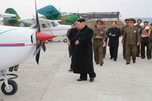 severnokorejski novi skolski avion