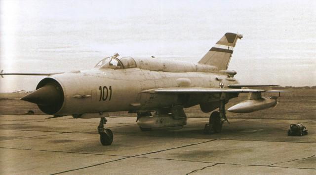 17101 MiG-21bis-SAU Fishbed-N