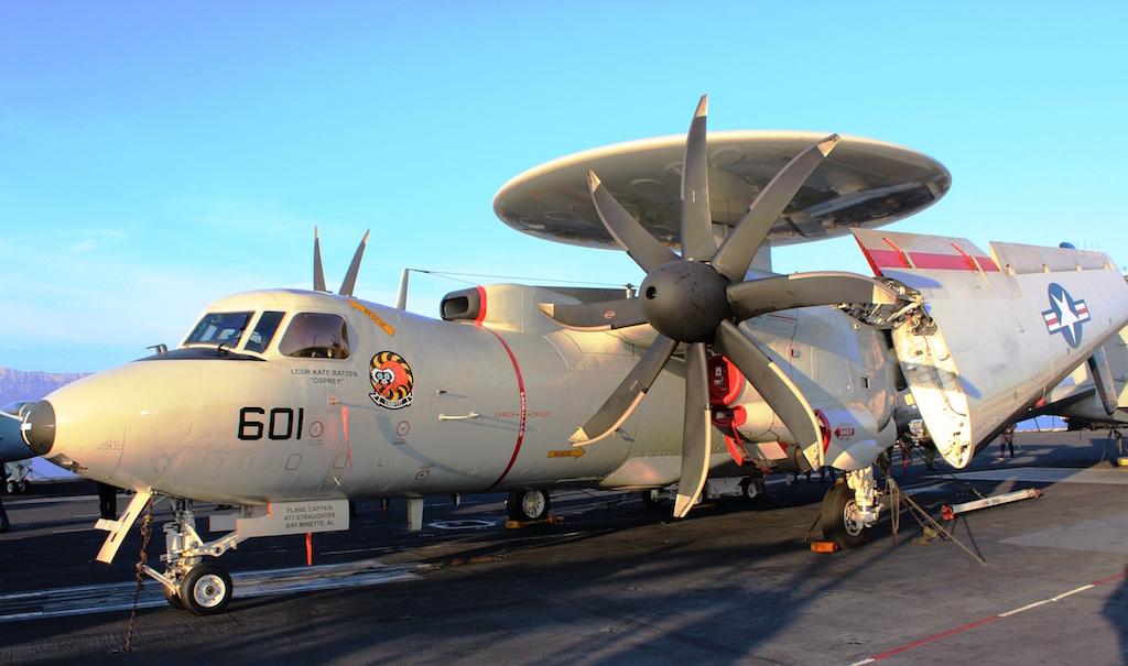 Leteći radar E-2C Hawkeye 2000 s novim propelerima / Foto: Antonio Prlenda
