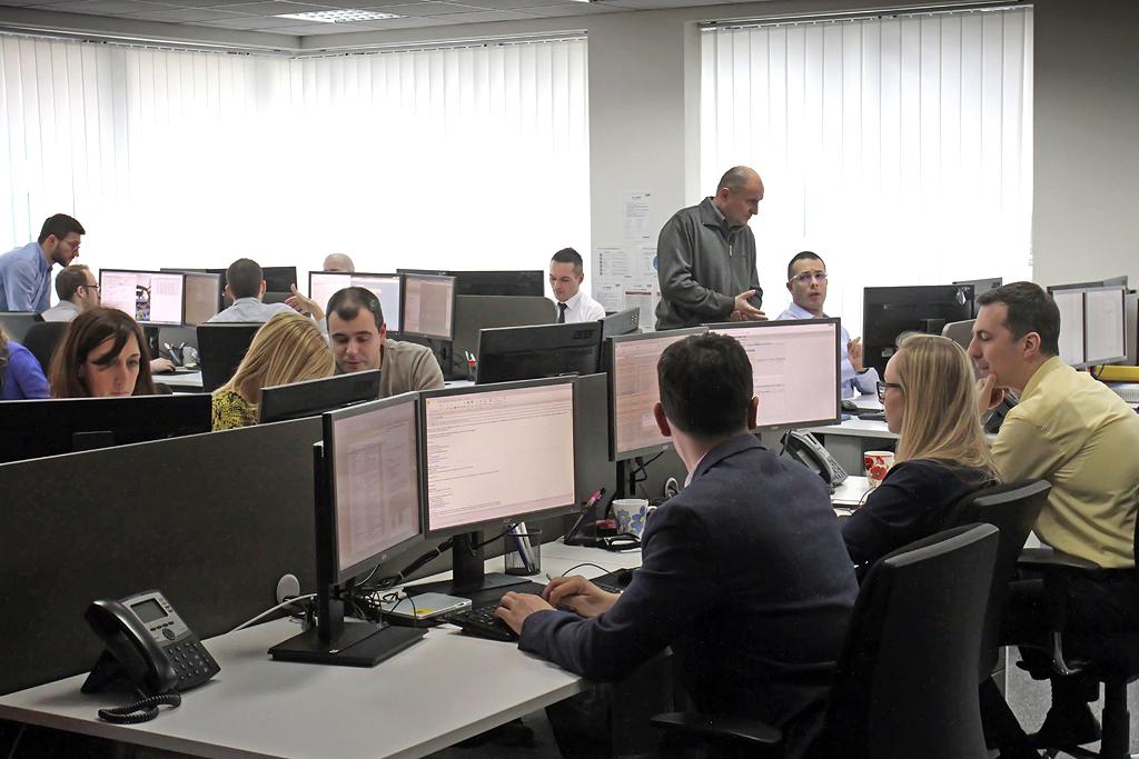 "Deo zaposlenih ""SR Technics Services doo Beograd"" / Foto: Dušan Atlagić"