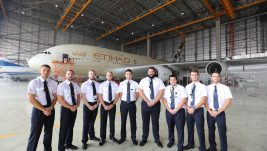 "Mladi srpski diplomci na specijalnoj obuci u kompaniji ""Etihad Airways Engineering"""