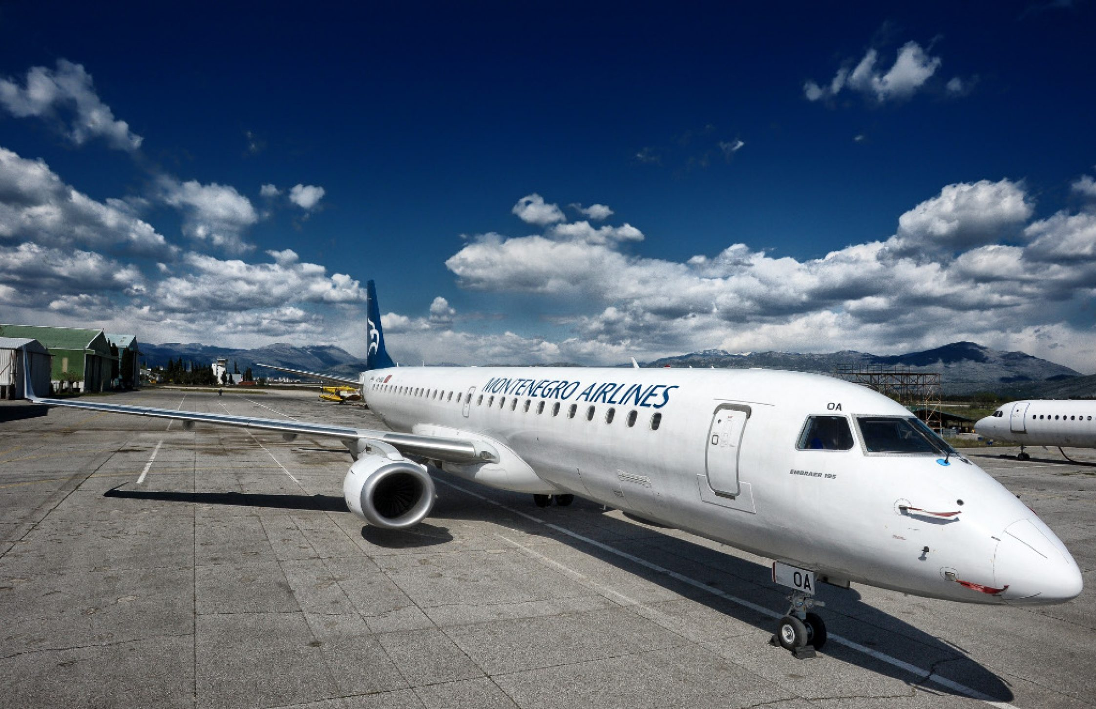 montenegro-airlines-reviews-montenegro-airlines-airplane-2244x1452