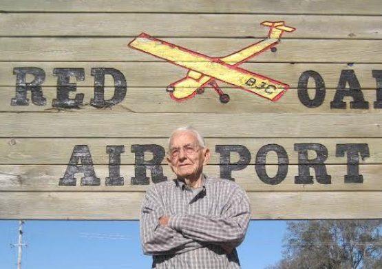 Najstariji aktivni pilot na svetu ušao u Ginisovu knjigu sa 99 godina