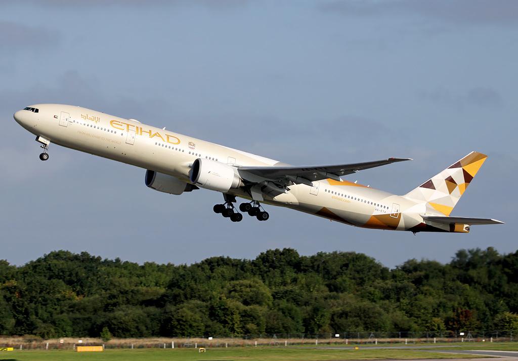 etihad_airways_boeing_777-300er_a6-eta_in_new_livery