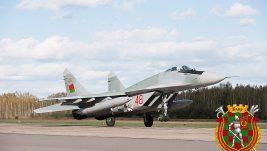 Đorđević za Politiku: Belorusija poklanja lovce i PVO sisteme, pregovara se o S-300; ruska donacija MiG-ovа 29 u martu ili aprilu u Momi