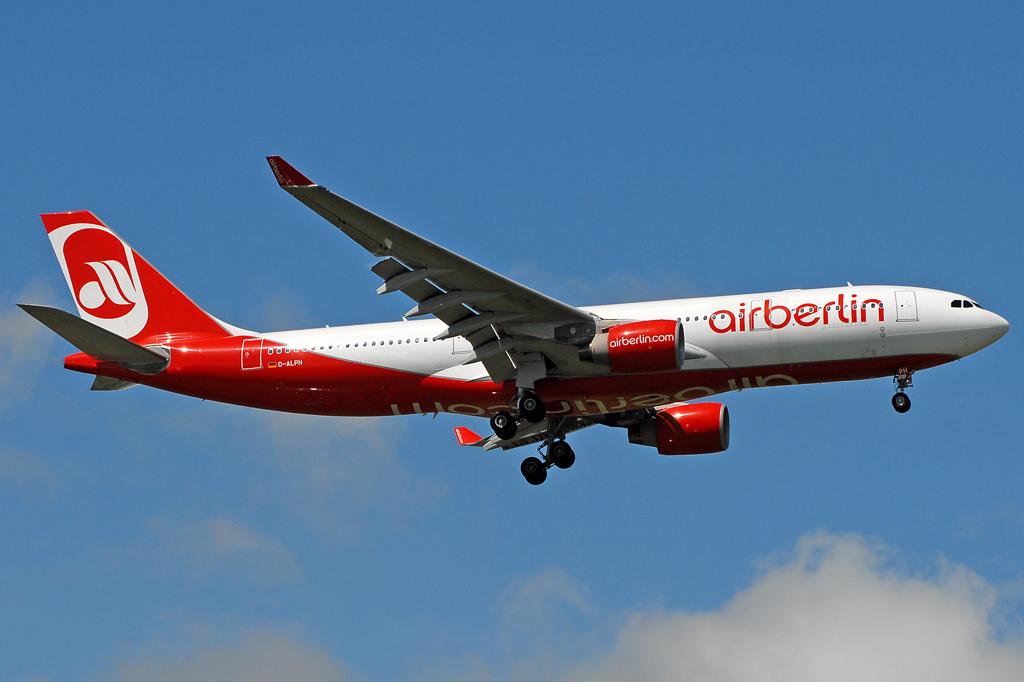 Air_Berlin_Airbus_A330-200_Prasertwit-3