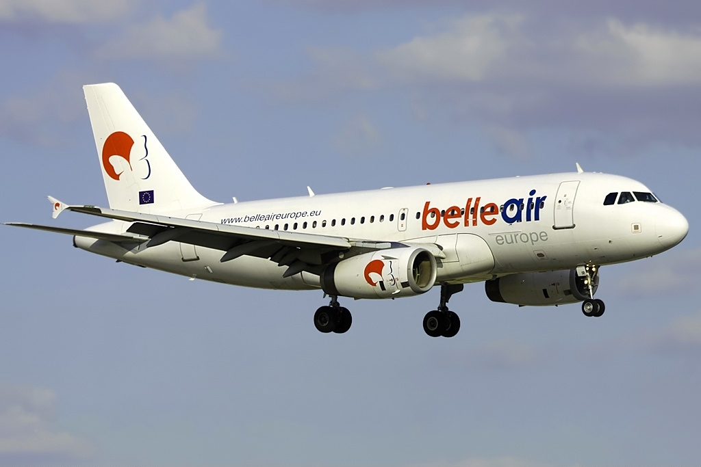 Belle_Air_Europe_Airbus_A320_Haafke