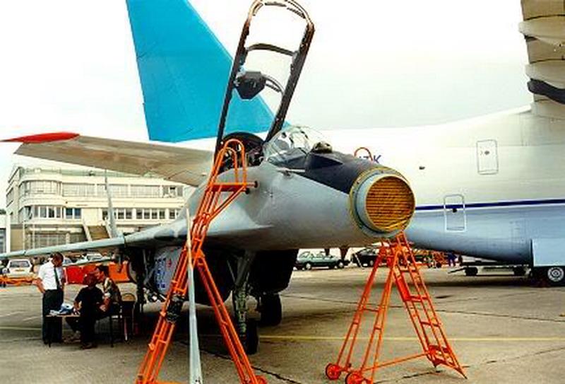 ruski MiG-29UBT radar Osa