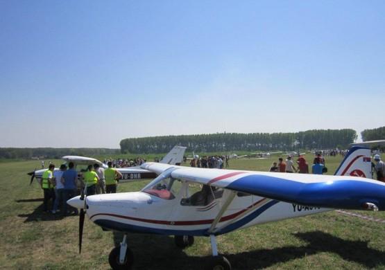 """[VIDEO REPORTAŽA] 14. memorijalni Fly-in """"Ljubiša Veličković"""" na sportskom aerodromu Kostolac"""