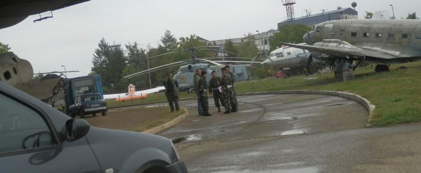Novi skandal u Muzeju vazduhoplovstva: vojska iznosi stare filmove, civili zvali policiju