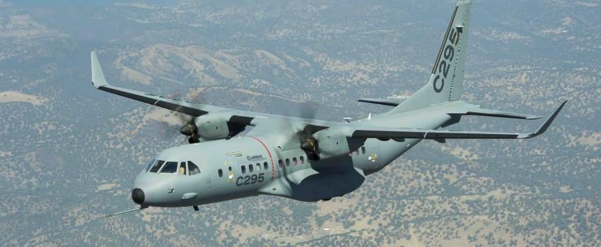 Gašić za Tanjug: Srbija ulazi u ofset aranžman sa Erbasom, u sklopu njega nabavka jednog C-295
