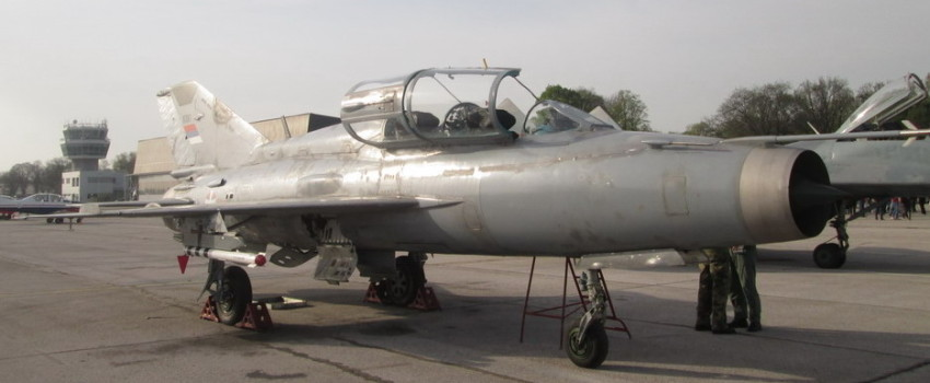 Prva domaća modifikacija lovačkog aviona u Srbiji: RV i PVO integrisalo rakete R-60 na dvosede MiG-21UM