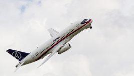 Superjet 100 na MAKS-u: Aeroflot potpisao narudžbinu za 20 aviona; Azimut Air zainteresovan za 4