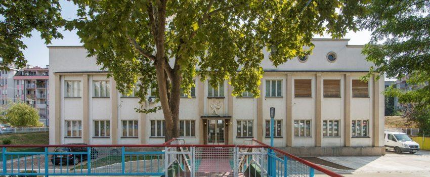 Rušenje Upravne zgrade fabrike aviona Ikarus: Izostanak zaštite kao kulturnog spomenika i ugrožavanje srpskog industrijskog nasleđa