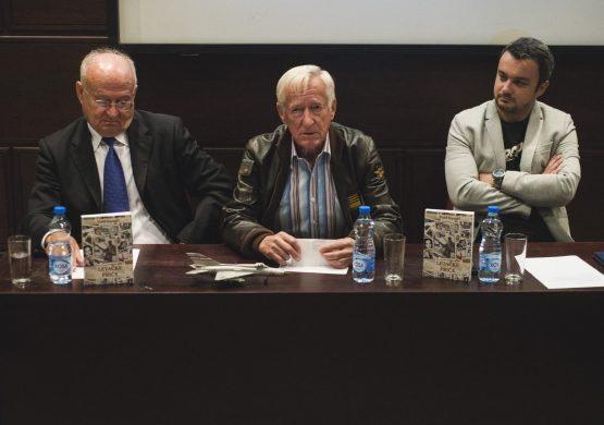 """[VIDEO] Promocija knjige """"Letačke priče"""" Suada Hamzića: Vojni piloti ne pišu zbog straha da im se neće verovati"""