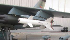 """Ministarstvo odbrane za """"Politiku"""": uskoro prvo lansiranje novog naoružanja sa modernizovanog Orla, moguća upotreba ovog aviona do 2040."""