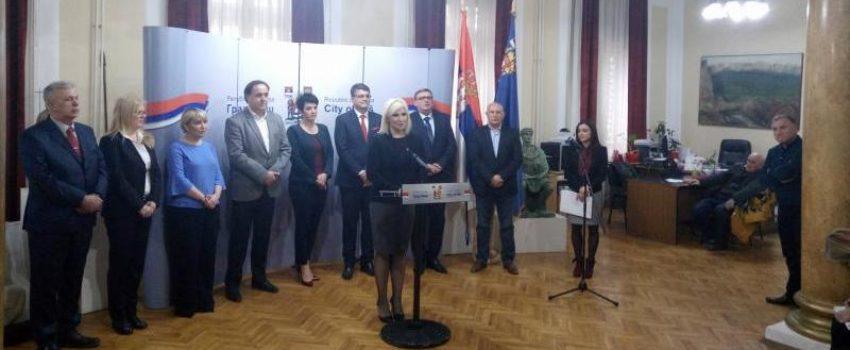 """Mihajlović: Nije pregovarano o limitiranju putnika """"Konstantinu Velikom""""; Direktoru Aerodroma najviši sertifikat bezbednosti"""