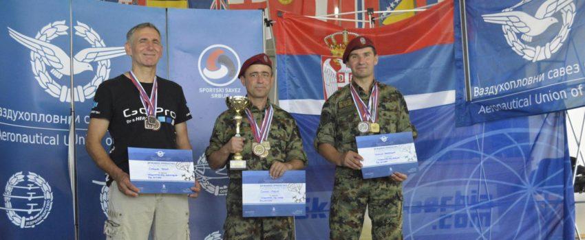 Reprezentativci Srbije na dva Svetska prvenstva u padobranstvu u Bugarskoj i Češkoj