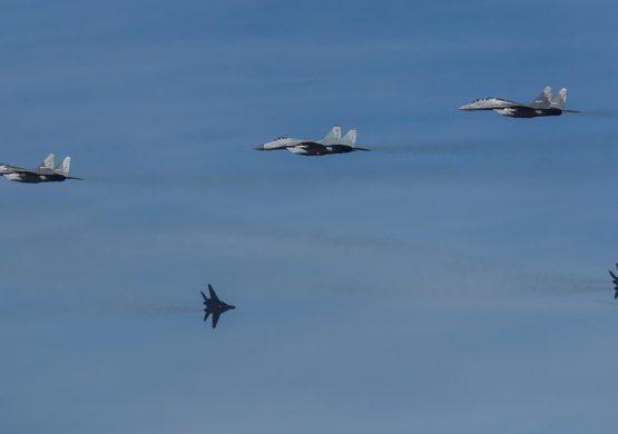 """[REPORTAŽA] """"Vek pobednika 1918-2018"""": Osmorka MiG-ova 29, siloviti Orlovi, baražna vatra """"Ognjeva"""" i neobičan završni scenario"""