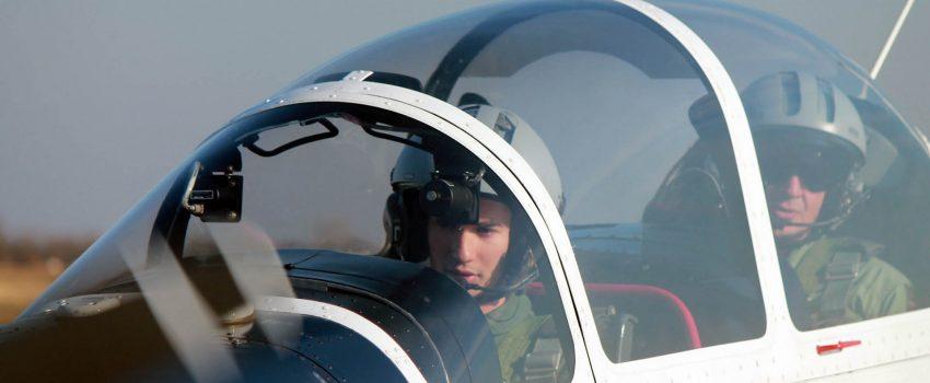 Započela obuka prvih pilota na školskom avionu Lasta