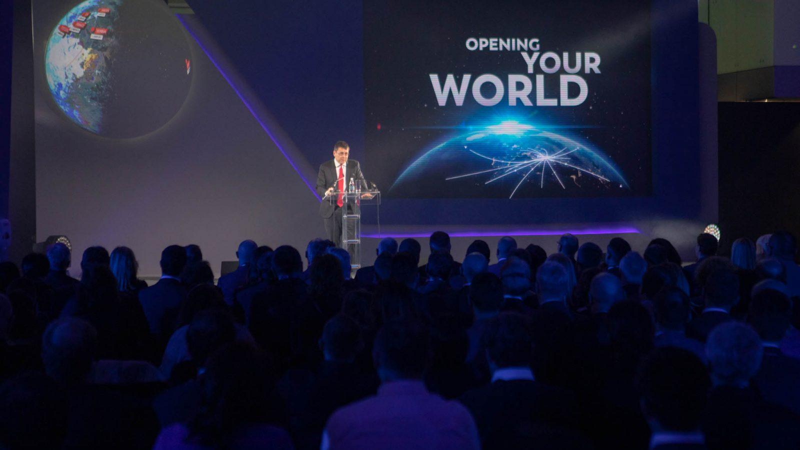 """[FOTO REPORTAŽA] Obeležen početak koncesije """"Nikole Tesle""""; Predsednik Vansi erportsa: U aerodrom ćemo investirati više od 730 miliona evra"""