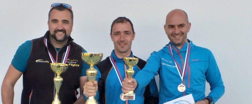 Završeno prvo kolo lige Srbije u preciznom sletanju paraglajderom na čenejskom aerodromu