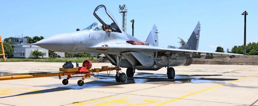 """[VIDEO] Srpski MiG-ovi 29 sleteli na """"Graf Ignatievo"""""""