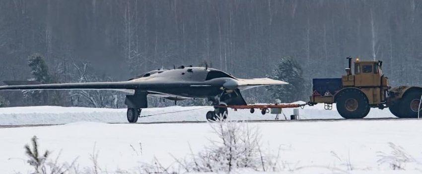 """Obavljen prvi let demonstratora ruske izviđačko-borbene bespilotne letelice S-70 """"Аhotnјik"""""""