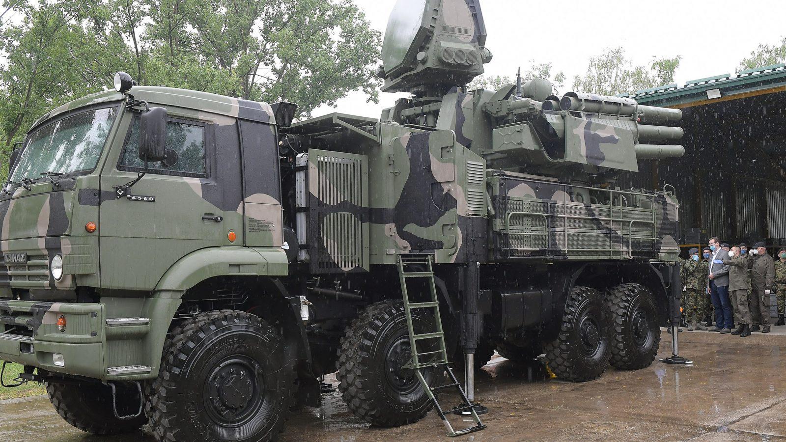 Vučić u Jakovu: Vraćeno ime Trećem raketnom divizionu, nastavlja se opremanje, uskoro stižu kineske bespilotne letelice, u oktobru velika vežba RV i PVO