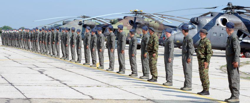 Dan avijacije na Batajnici: Premijera novih kombinezona za RV i PVO letače