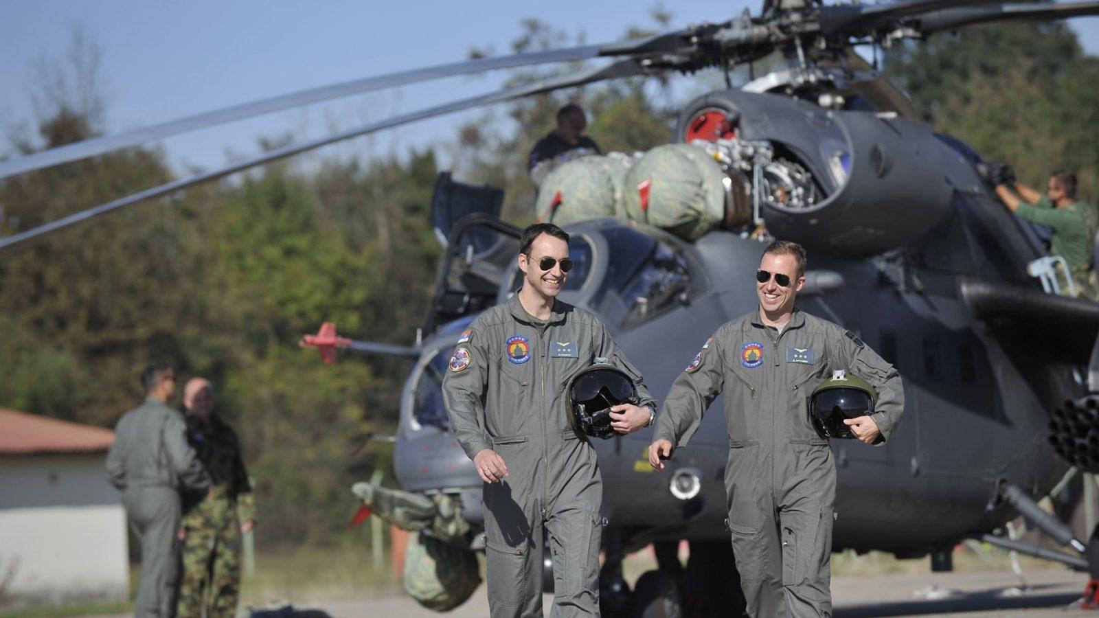 Neće Srbin u vojne pilote, al' neće ni Amerikanac