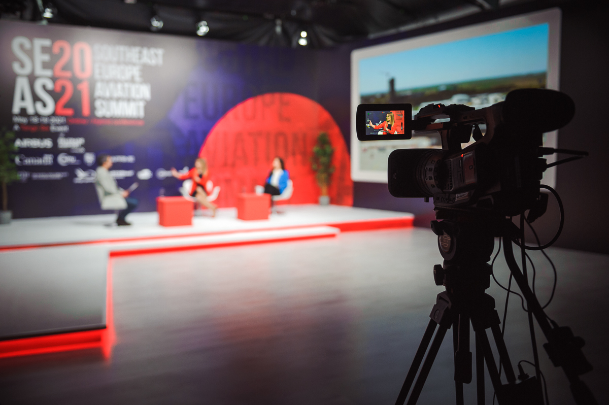 Gledajte prenos 2. dana Vazduhoplovnog samita jugoistočne Evrope: Obuka vojnih pilota, helikopteri, svemir i restauracija starih aviona